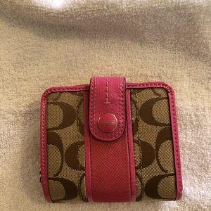 👀coach wallet
